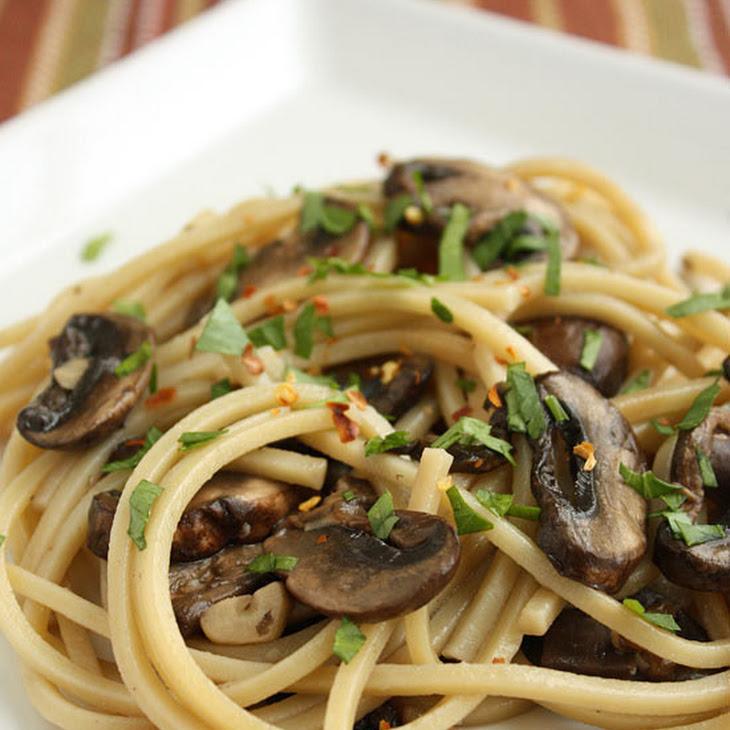Spaghetti with Mushrooms, Garlic and Oil Recipe