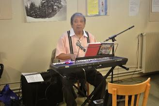 Photo: Anh Jules assure la musique