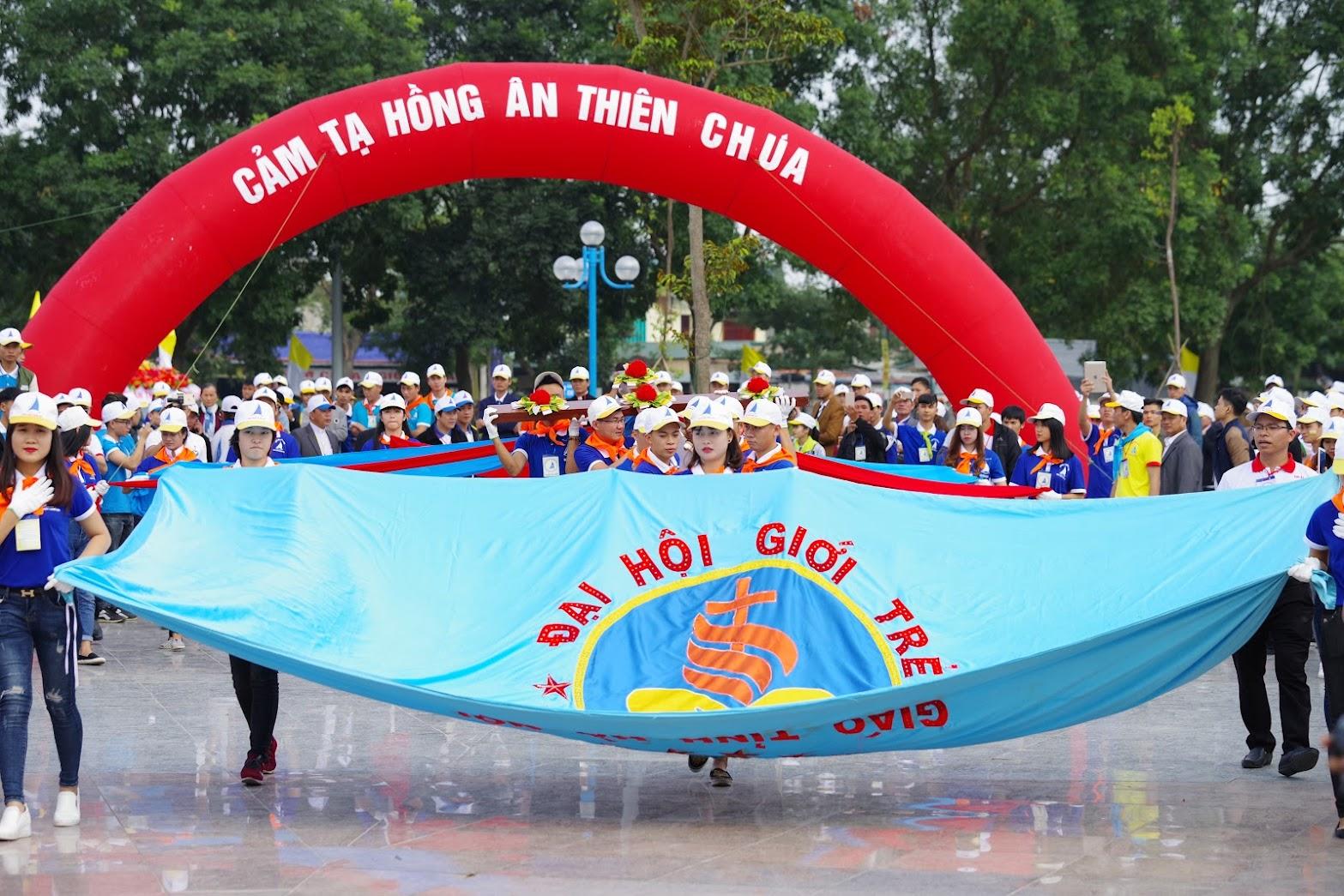 Những hình ảnh đẹp về lễ khai mạc Đại Hội Giới Trẻ giáo tỉnh Hà Nội lần thứ XV tại Thanh Hóa - Ảnh minh hoạ 30
