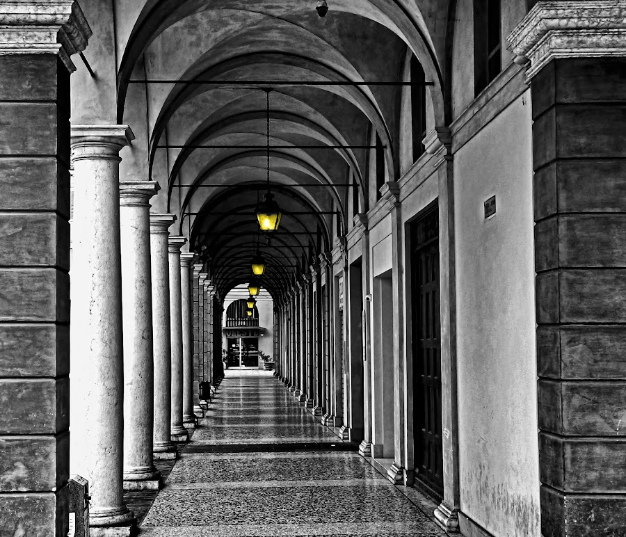 Yellow lamps by Stefano Landenna - Black & White Buildings & Architecture ( modena, b&w, colonnade, fine art, yellow, italy )