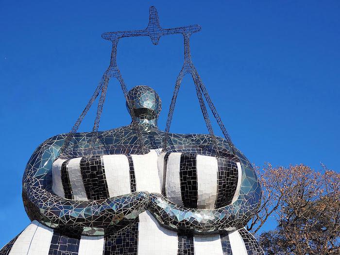 Niki de Saint Phalle, La Giustizia, Giardino dei Tarocchi, Capalbio