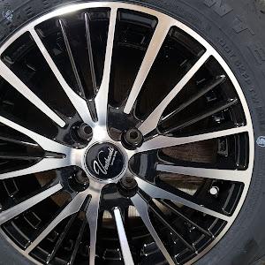グレイス GM5 ハイブリッド LX 4WDのカスタム事例画像 k^^*さんの2018年12月03日00:02の投稿