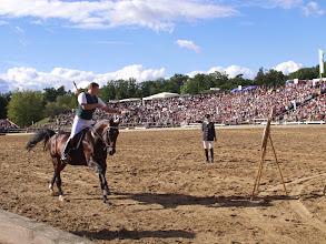Photo: Bogenschiessen vom Pferd bei der Hengstparade Moritzburg