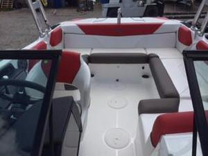 intérieur arrière du bateau