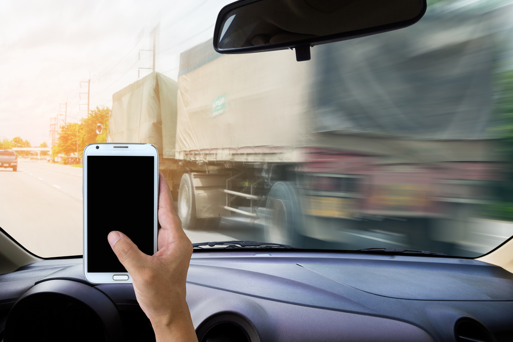 Texting and Driving Crashes Facts and Statistics – TeenSafe