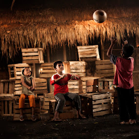 Playing .. by Henry Adam - Babies & Children Children Candids