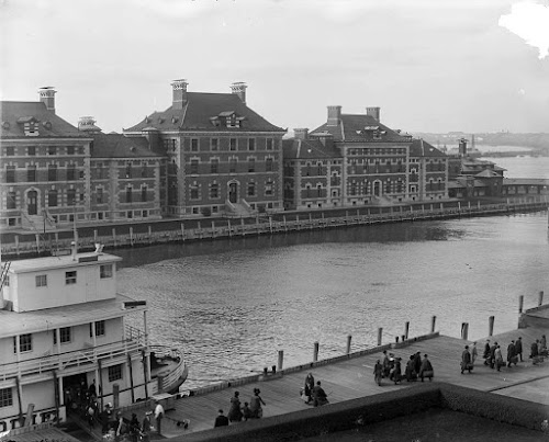 Photo Ellis Island