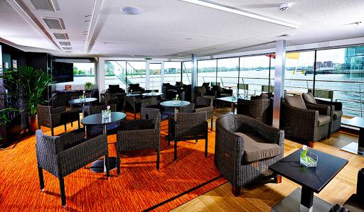 Avalon-Visionary-club-lounge - Enjoy a cocktail and the view in Avalon Visionary's Club Lounge.