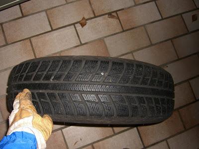 Mein Reifen (mit Schraube)