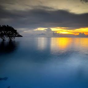 Pantai Tanjung Pendam Belitong by ANdi Khoebill - Landscapes Waterscapes