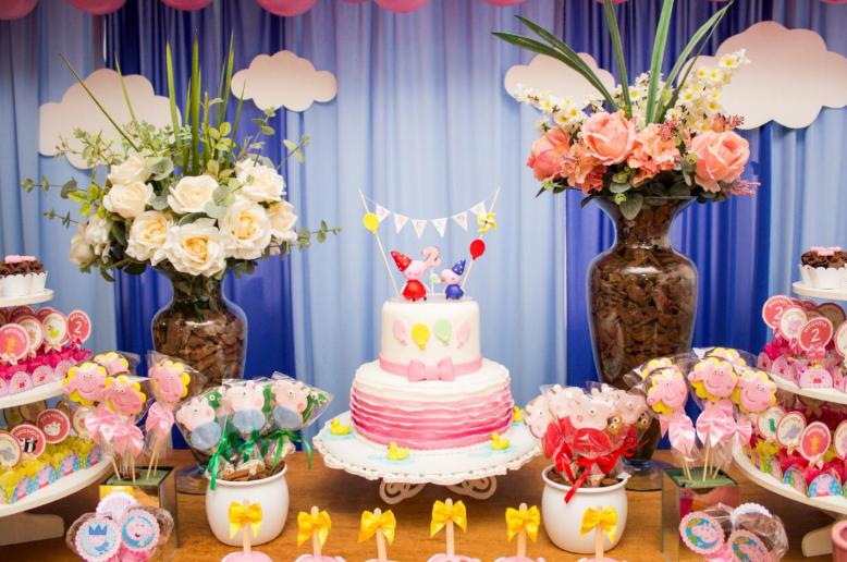 mesa de doces tema Peppa Pig