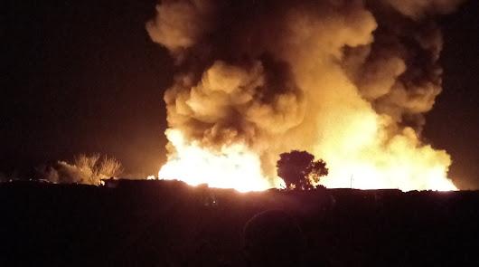 Arden decenas de chabolas en el asentamiento de Don Domingo