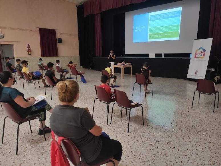 Los talleres han contado con un éxito de participación llegando a alcanzar 300 participantes de todas las edades.