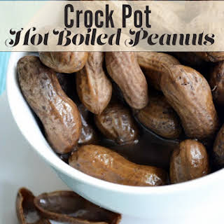 Crock Pot Hot Boiled Peanuts.