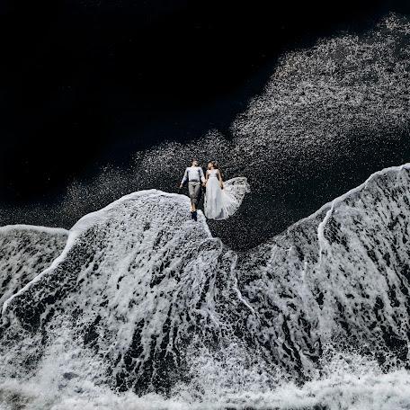 Wedding photographer Sergey Drobotenko (santo777). Photo of 13.02.2018