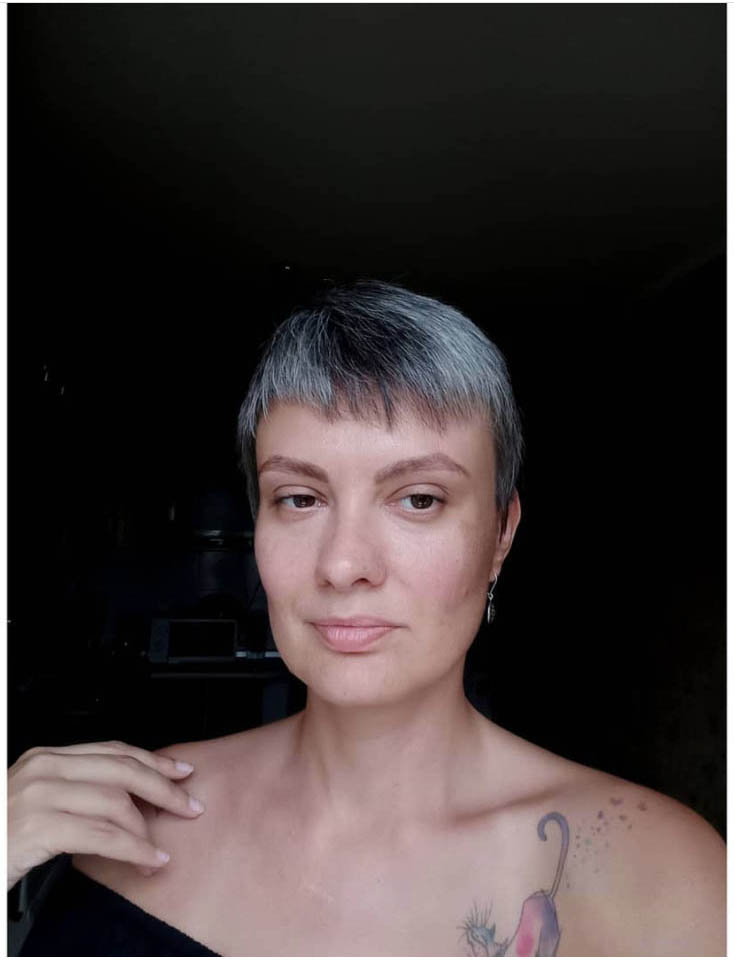 25 Women Going Gray Gracefully Who Will Inspire You to Quit Dying Your Hair 14
