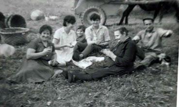 Photo: Josefa, Marisa,......., Milio, Paz y Cecilio