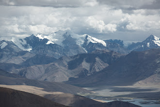 Photo: At the end of Tsomoriri high Himalayan peaks rise up, close to Chumar and the disputed border with China.