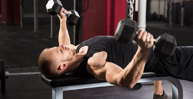 Bài tập Dumbbell Bench Press – Bài tập gym tại nhà đẩy tạ tay trên ghế luyện cơ tay dành cho nam