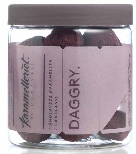 Daggry - lakritsfudge med choklad och hallon - Karamelleriet
