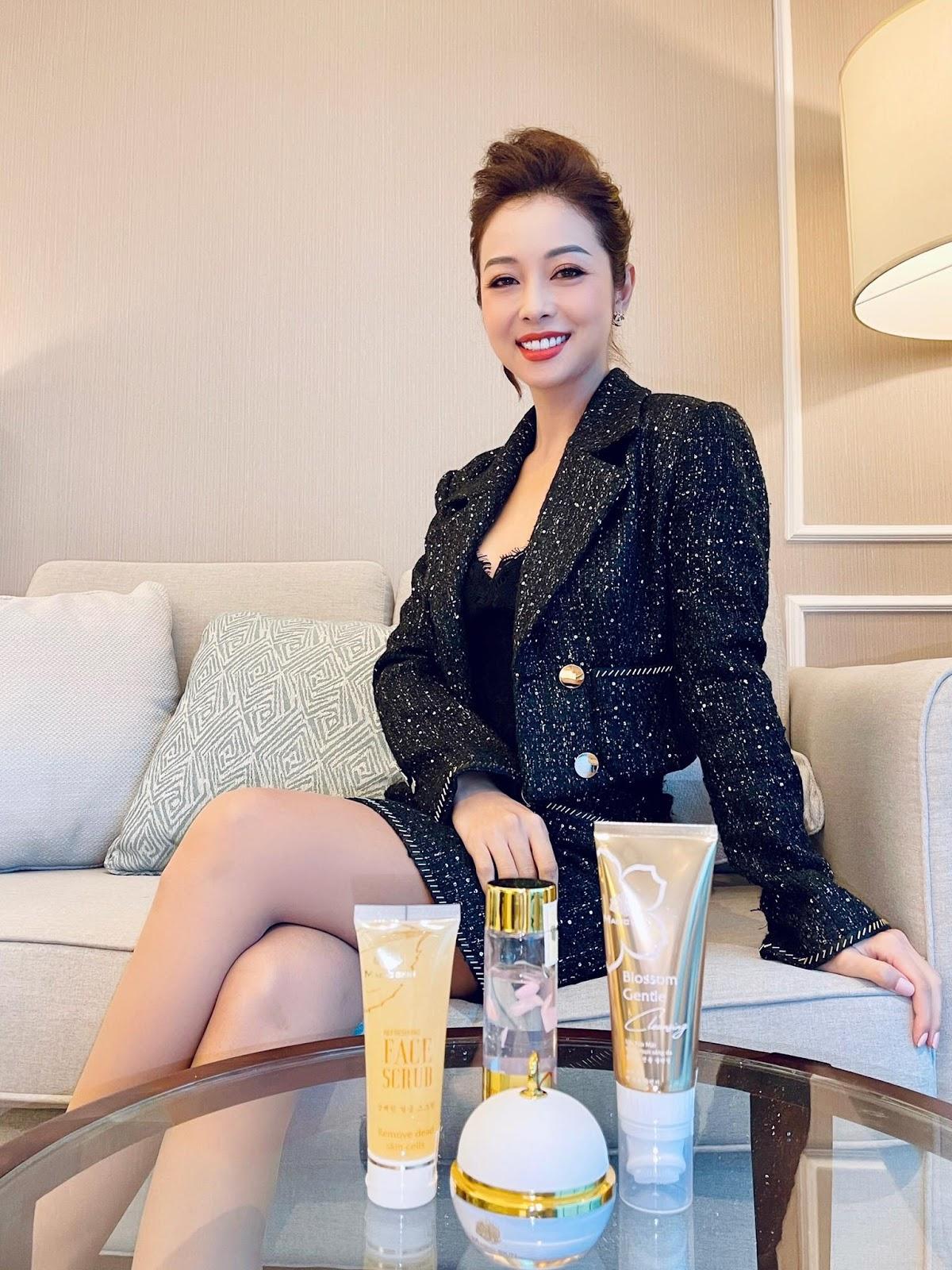 Hoa hậu Jennifer Phạm chia sẻ 4 tips phòng ngừa nám hiệu quả tại nhà - Ảnh 5