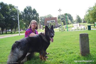 Photo: Yvonne met Davey, de gastvrouw van het Schollebos! LOL