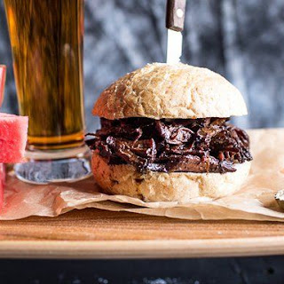 5-ingredient Slow Cooker BBQ Pulled Beef