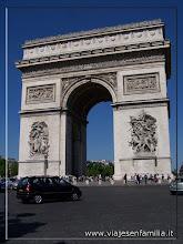 Photo: Arco del Triunfo. París. www.viajesenfamilia.it