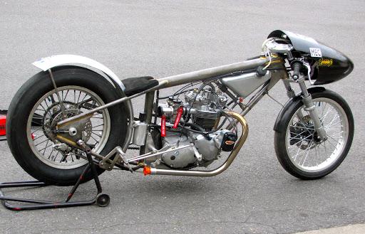 Triumph 750 Hagon.