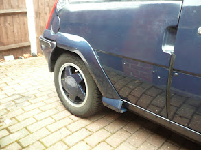 Photo: Rear arch now fitted.