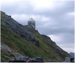 Photo: Carretera de Grossglockner-Hochalpenstrasse ( Austria) Observatorio Swarovski. http://www.viajesenfamilia.it/