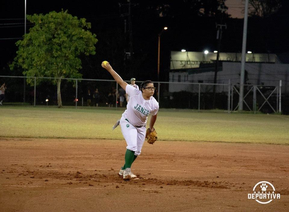 1 persona, practicando un deporte y exterior