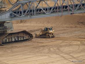 Photo: Da wirkt ein Bulldozer schon ziemlich klein!
