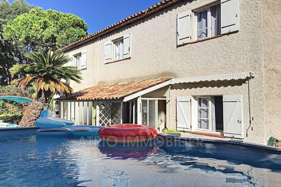 Vente maison 7 pièces 180 m² à Saint-Laurent-du-Var (06700), 625 000 €