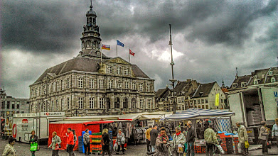 Photo: Market Place and Town Hall (Maastricht)