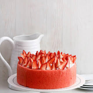 Strawberry, Vanilla and Meringue Cake.