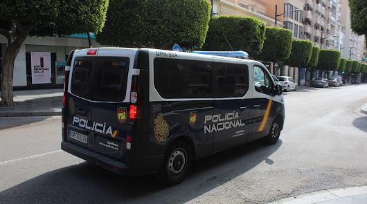 Almería estrena toque de queda, aforos y horarios de locales