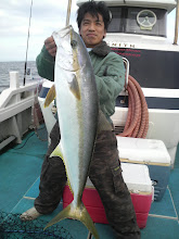 Photo: ナイスサイズ! ヒラス! 7.3kg! 自己記録! 予想以上に潮が動きませんで・・・。