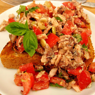 Chili Bruschetta with Tomatoes and Olive Oil