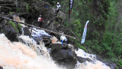 Photo: Команда MDK штурмует водопад