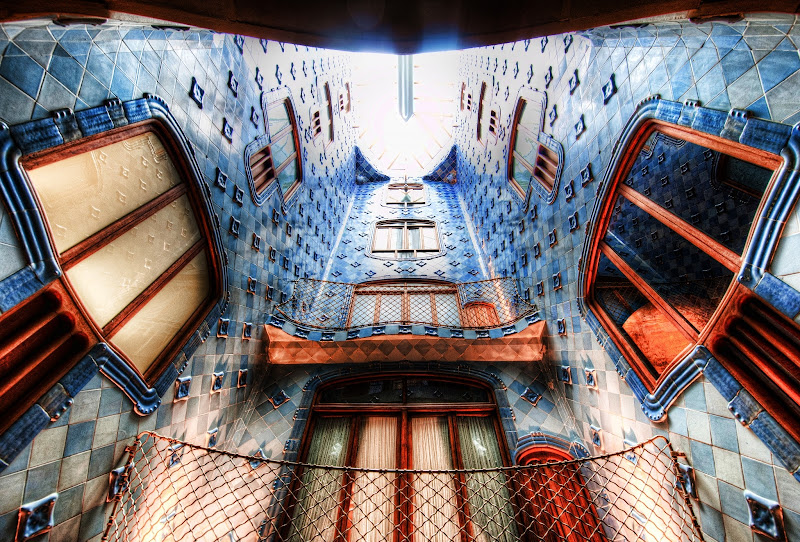 Photo: How it looks up a Gaudi elevator shaft in Barcelona...