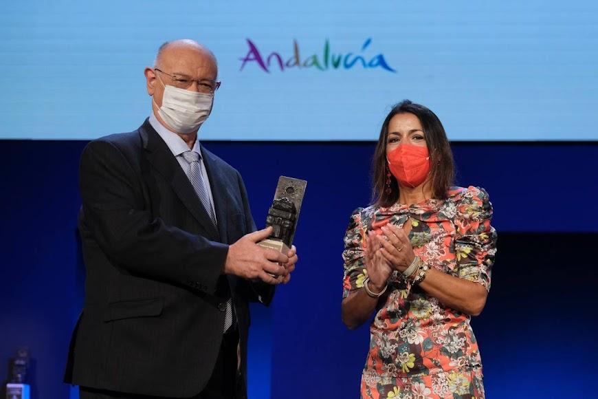 Premio Comunicación para Juan Eslava.