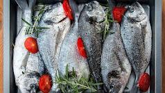 La dorada es un pescado bajo en grasa y calorías.