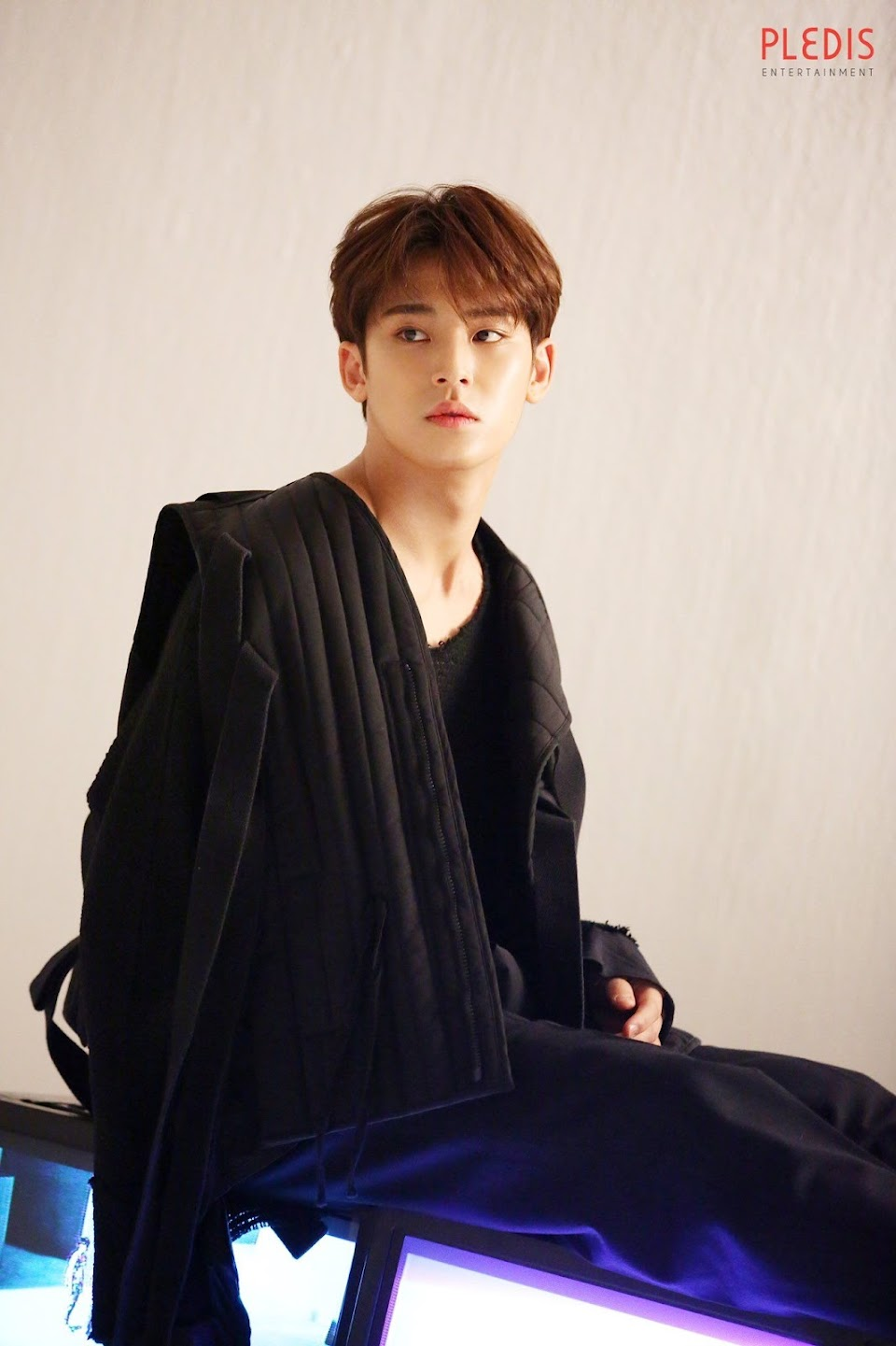Mingyu-Seventeen-9