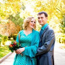 Wedding photographer Evgeniya Ulyanova (honeyrnd). Photo of 26.12.2014