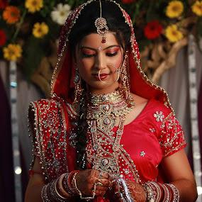 by Bharat Dudeja - Wedding Bride ( hindu, bridal, woman, wedding, tradition, indian, saree, bride, marriage,  )