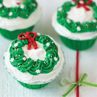 Holiday Wreath Cupcakes.