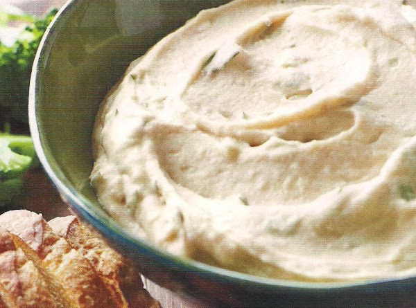 Garlicky White Bean Dip Recipe