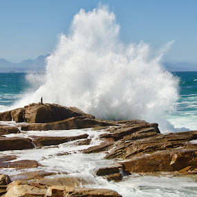 Decisive moment by Jane Fourie - Landscapes Beaches ( water, wave, sea, seascape, rocks,  )