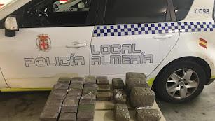 Droga encontrada por la Policía Local en un coche.